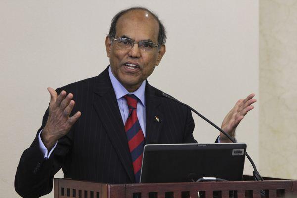 印度前央行行长:对贸易问题 金砖五国应采取一致立场