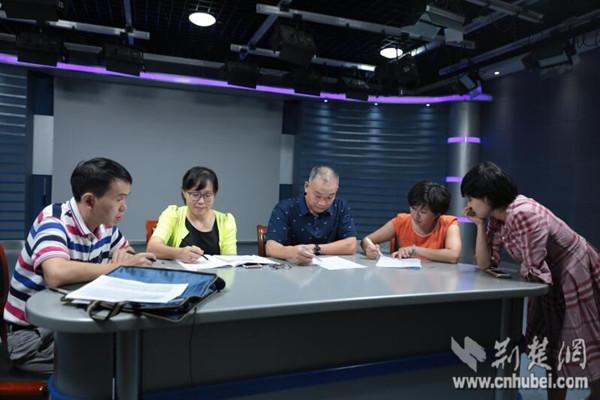 """""""湖北政务微信排行榜""""首推优秀公号经验谈 健康湖北打头阵"""