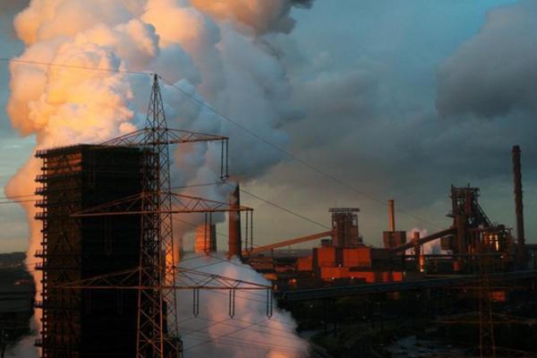 位于杜伊斯堡的蒂森克虏伯钢铁厂。图片来源:路透社