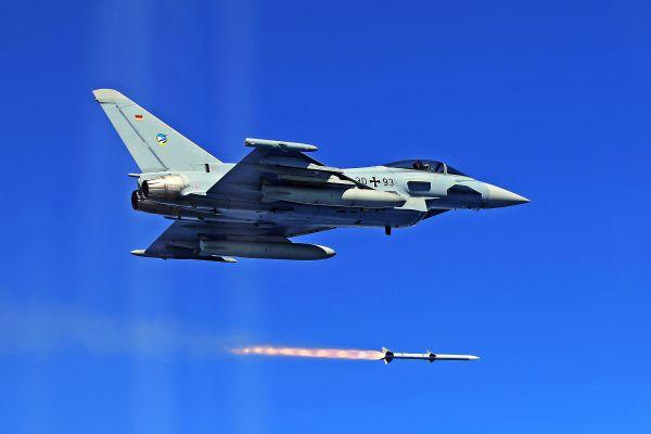 西班牙战机在北约训练中误射导弹