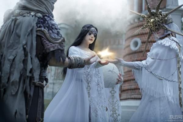 大神级《黑暗之魂》群像COS 女版葛温德林美艳到爆