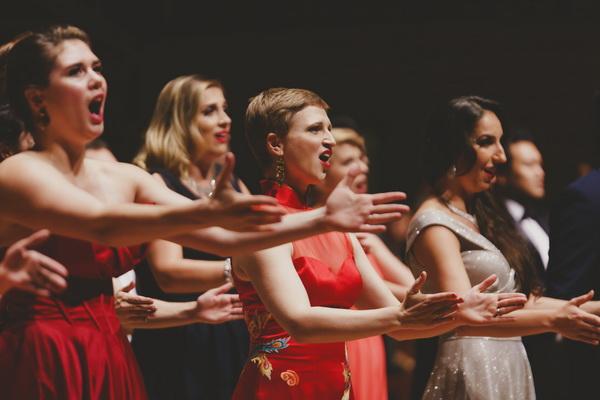 外国人唱中文歌,这场音乐会high翻了观众(责编保举:数学家教jxfudao.com/xuesheng)