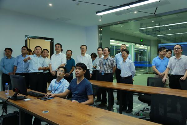 北京理工大學校長一行考察調研廣西交通運輸云數據中心