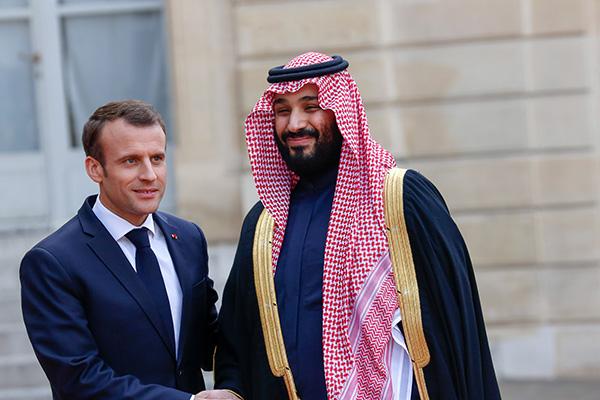 法國總統馬克龍與沙特王儲。視覺中國 資料
