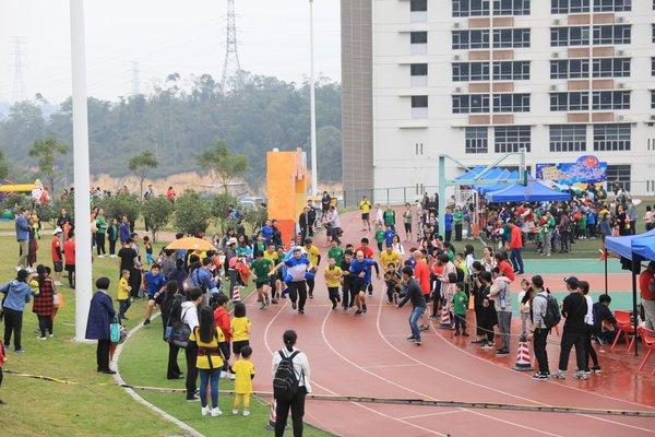 耀华国际教育学校广州校区成功举办首届纷飞汇嘉年华