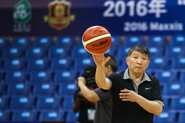 求索者|男篮转变者宫鲁鸣:华夏篮球不缺人不缺钱就缺练
