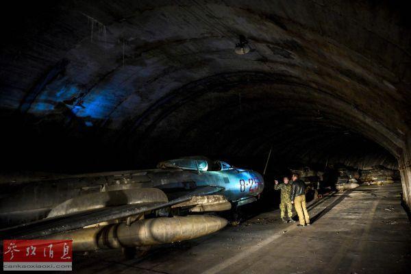 資料圖片:隱藏在阿爾巴尼亞北部山區的賈德爾地下空軍基地,藏有數十架米格戰機。(法新社)