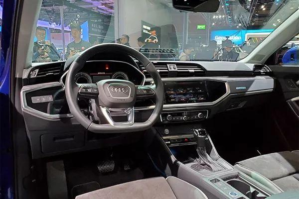 少有的德味不加长版车型 AI智能无人驾驶技术 奥迪展台尽显风光