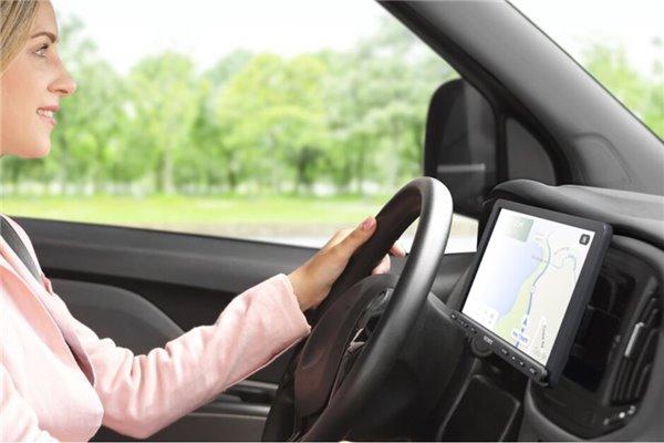 汽车太老无法使用CarPlay?试试索尼新款车机