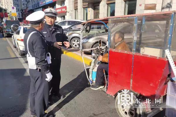哈市交警部门开展快递、外卖车辆交通违法专项整治行动