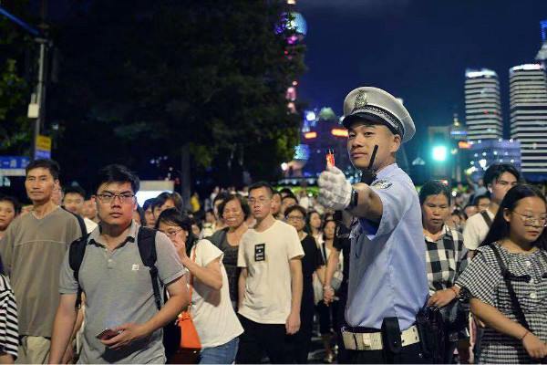 上海警方公布国庆安保办法:国庆期间无焰火燃广州蚂蚁运输搬迁 公司