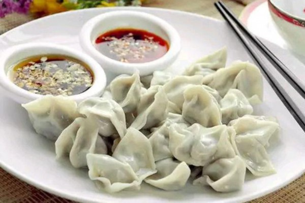秋天最合适吃这菜,用它包饺子,比韭菜强,胃不好要多吃