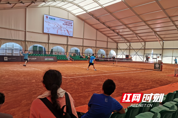 湖南省首个红土业余网球积分赛举行 393人参赛