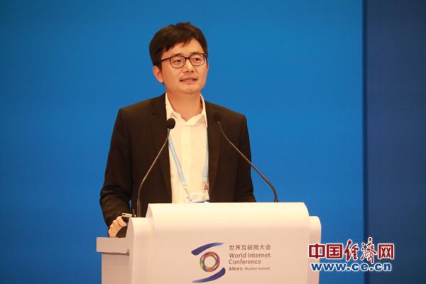 傅盛:智能机器人或成下一个产业革命机会