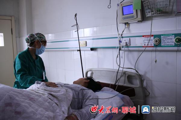 正能量!产妇路边分娩 区医院产房护士路遇抢救新生儿