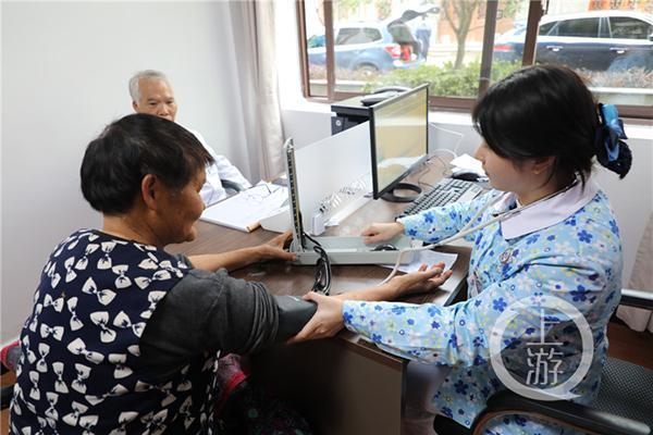 记者节来临 重庆这家医院征集百名新闻战线肿瘤患者无偿诊疗1个疗程