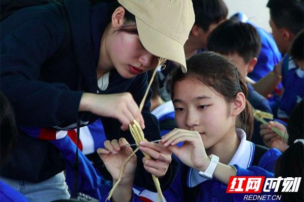 中雅培粹学校开展农耕研学 田间亦是课堂