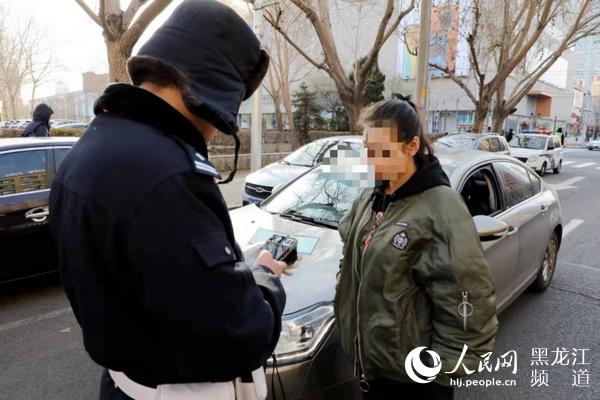 哈尔滨市交警部门持续开展机动车不礼让行人等违法行为治理行动