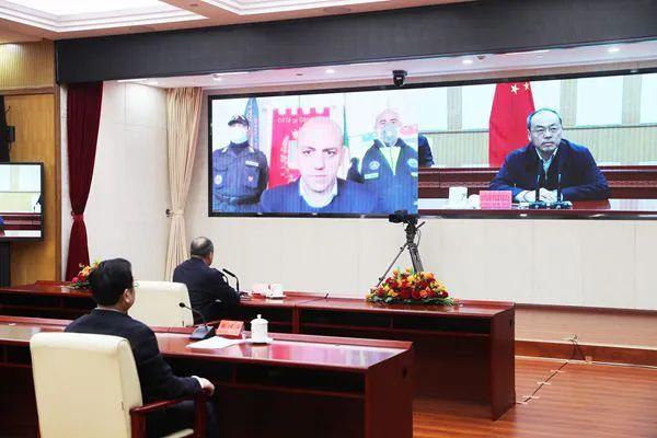 早暴发地的省长邀蓝冠请这位中国省长跨洋视,蓝冠图片