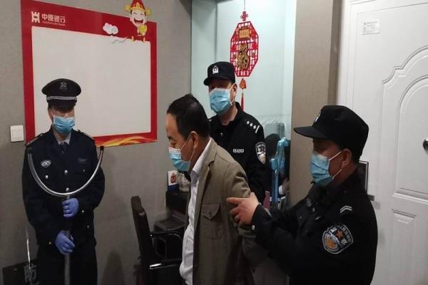 河南省三门峡市湖滨公安分局开展反恐演练活动