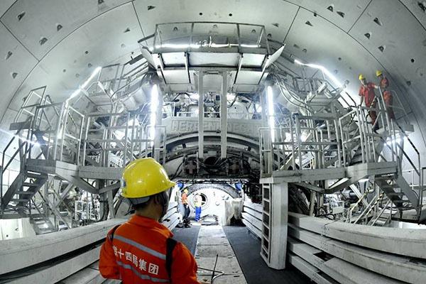 [天富]最大直径水下盾天富构公路隧道双线贯图片