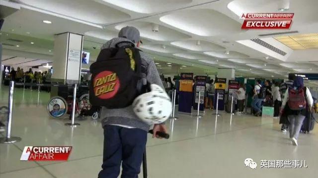 12岁男孩心情不爽,一个人飞去巴厘岛玩4天!麻