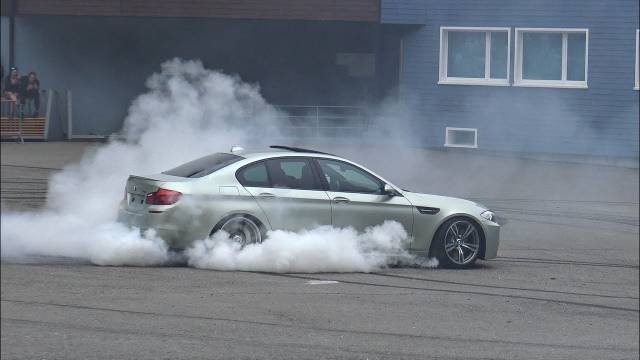 极速启动与漂移  2x 宝马BMW  M5 E39、F10