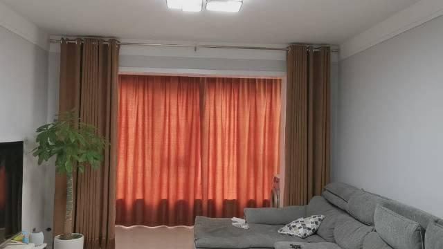 安装完毕,华为智能家居杜亚智能窗帘挺顺滑,语音控制窗帘爽歪歪。