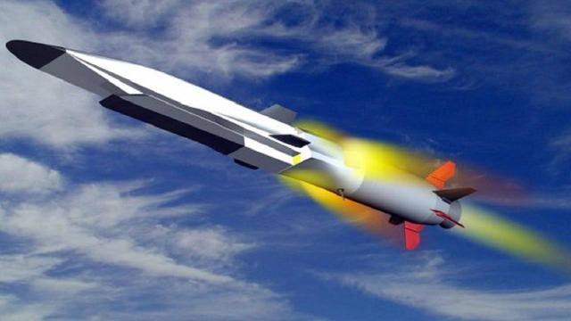 俄罗斯再次领先,潜艇将首装高超音速导弹,最大时速高达上万公里