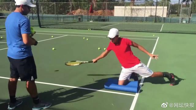 开放性击球姿势,正手训练、反手训练、截击训练