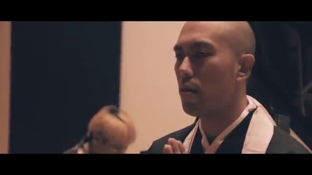 作为同时拥有僧侣和乐队主唱身份的药师寺 宽邦(Kanho