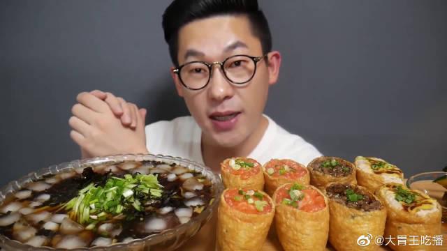 康叔今天吃凉快的荞麦面和大王油豆腐寿司