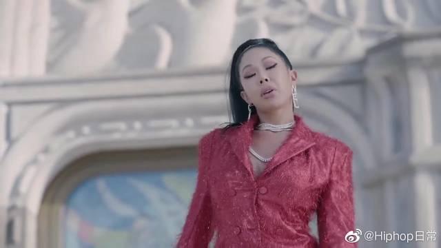 你绝对不知道的MV精彩幕后,Jessi与鸟叔同框好精彩!