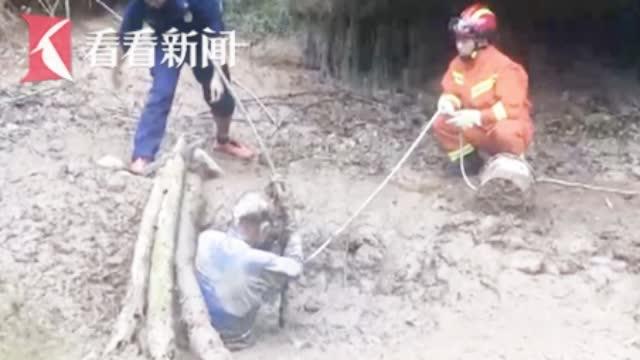 消防徒手搭建救援通道