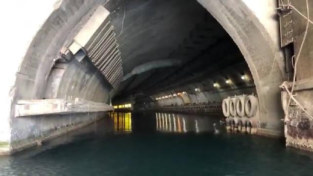 克里米亚巴拉克拉瓦的苏联潜艇洞库。 http