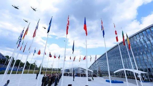 <b>我军专家谈北约峰会:成员国内部矛盾不断一盘散沙</b>