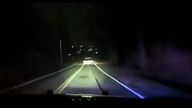 美国警方在胡贝尔高地菲什堡路追捕涉D嫌犯。