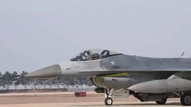 16日,韩国昆山空军基地