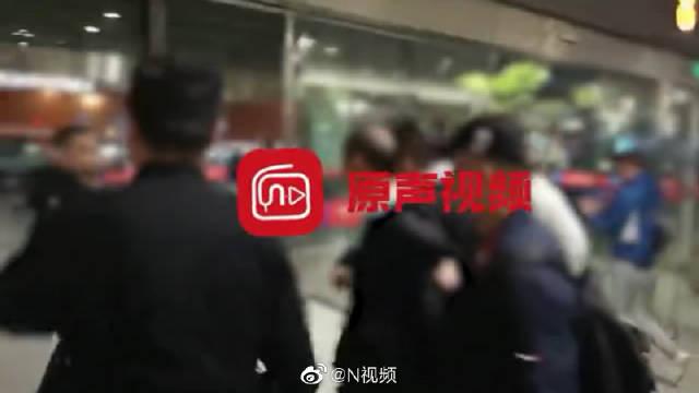 广州警方破获11年前母女被害两命案!两犯罪嫌疑人被捕画面曝光