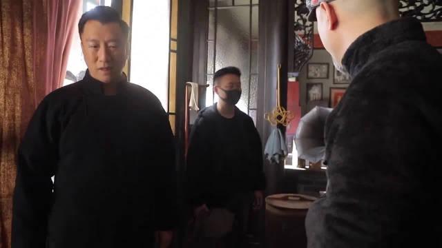 《新世界》花絮:铁林偷袭金海幕后镜头,孙红雷片场是个狠人?