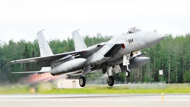 """日媒:日本战机去年紧急升空947次,675次应对中国,而F-35忙着对付""""北方"""""""