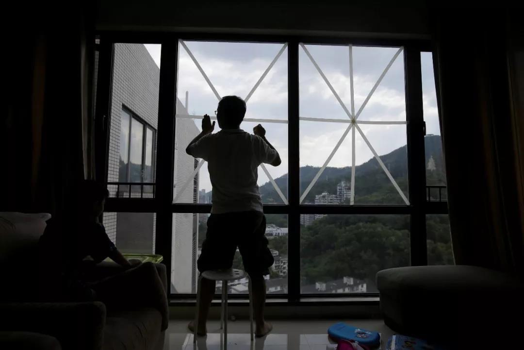 """学校停课、高铁停运、航班取消……今年最强台风""""山竹""""来势汹汹!"""