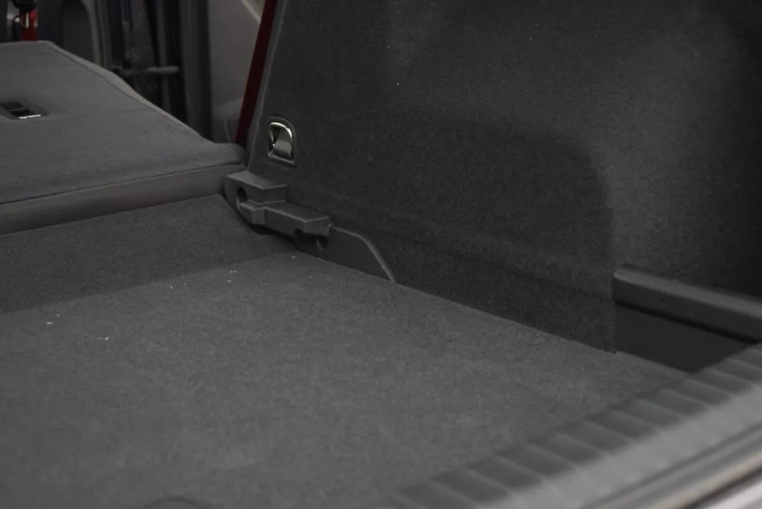【实测】20多万的奥迪SUV国产不加长,真实空间到底有多大?