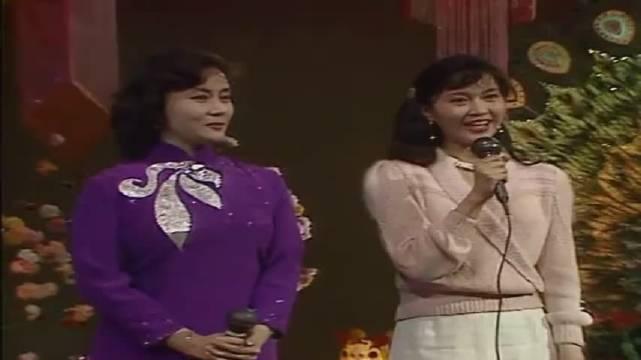 30年前陈佩斯朱时茂表演小品《羊肉串》,没有比这个更经典的了