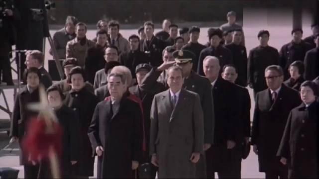 珍贵视频:尼克松抵达北京,周总理亲自迎接