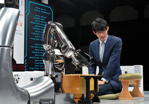 日本举行人机将棋大赛 首战电脑不敌人脑