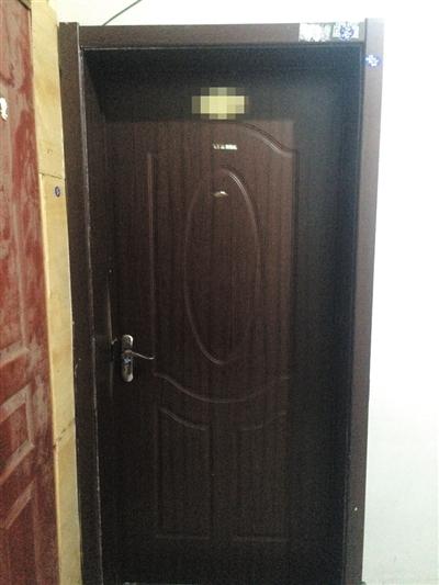 昨日,百子湾阳光家园,事发的出租屋大门紧锁。