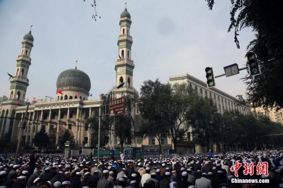 青海西宁数十万穆斯林喜迎古尔邦