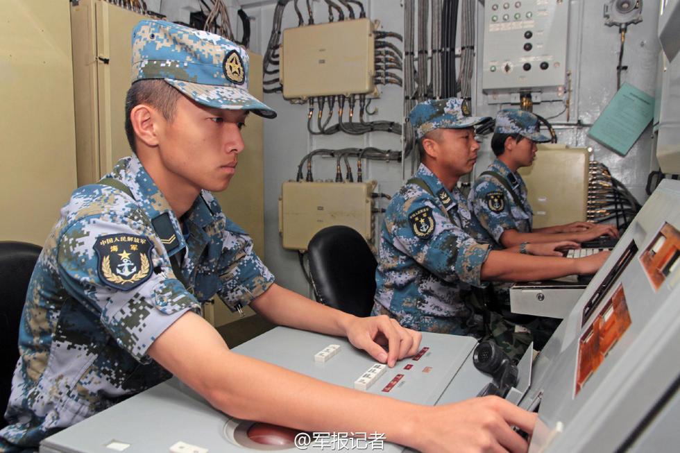 专家:此前在南海搞军演很谨慎 把自己缩住了