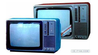 长虹第一台黑白电视机试制成功